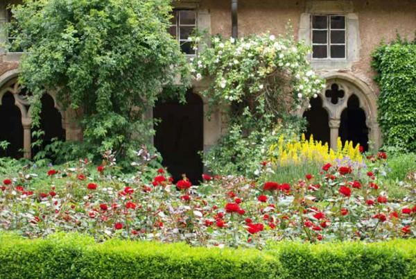 Briefkarten: Blumen-Romantik im Kloster